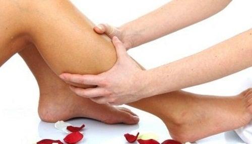 Erbe medicinali per la corretta circolazione delle gambe