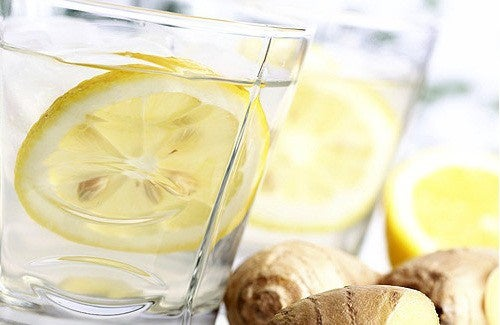 Ventre piatto grazie a limone, zenzero, cetriolo e menta