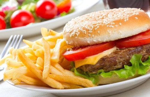 I peggiori alimenti che potete mangiare