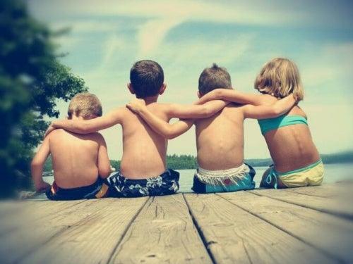 amicizia compagnia per essere felici