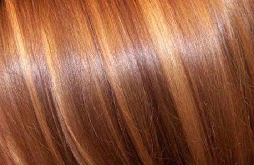 Gli oli essenziali per risciacquare capelli