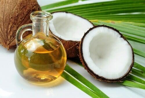 olio di cocco per alleviare le cicatrici