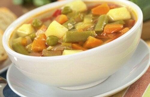 Minestre di verdure: 4 deliziose ricette da provare