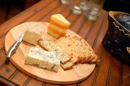 formaggi che contengono grassi
