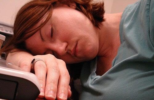Sindrome da fatica cronica: che cos'è e come trattarla.