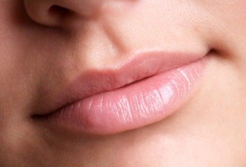 Come dare più volume alle labbra