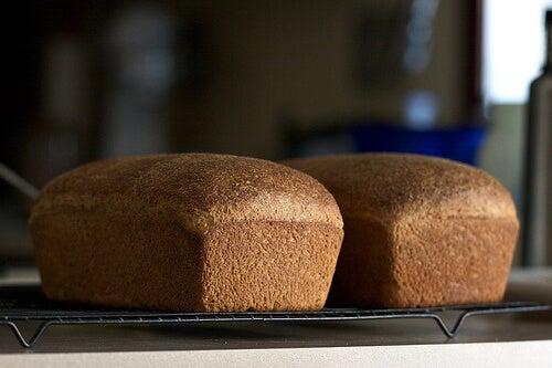 Pane integrale per trattare l'endometriosi
