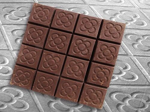 il cioccolato influisce sulla produzione dell'ormone della felicità
