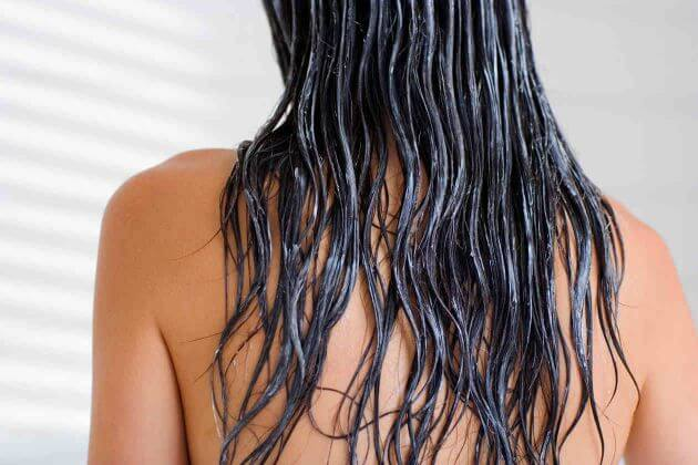 allisciare i capelli