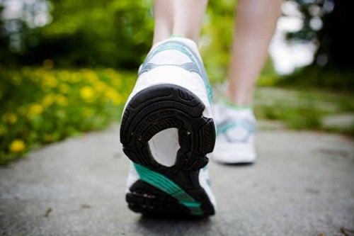 Benefici del camminare 30 minuti al giorno