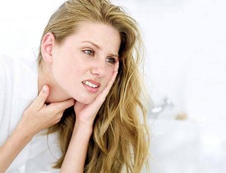 curare un'infezione alla gola