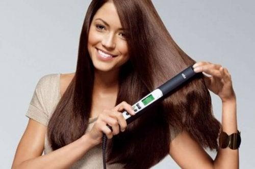 Piastra per capelli: 5 consigli per usarla al meglio