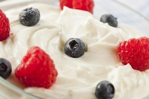 yogurt greco e frutta