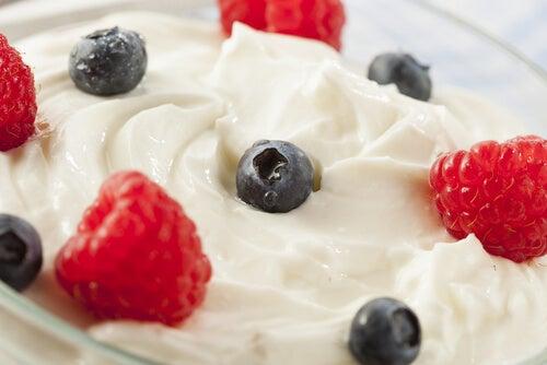 Yogurt-e-frutta