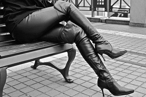 Evitare le gambe accavallate