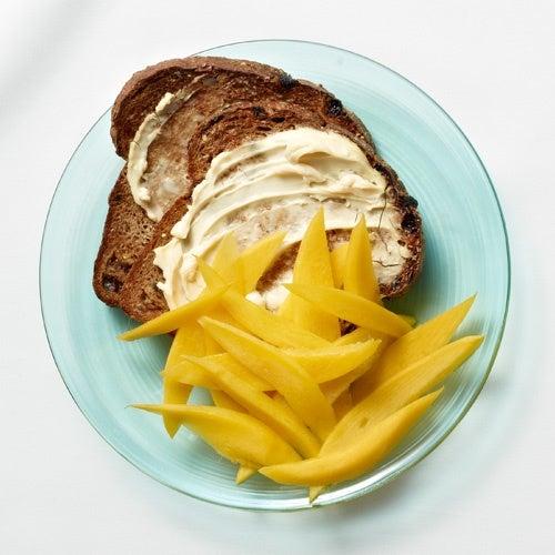 pane e mango per colazione