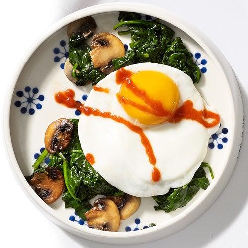 uova verdi per colazione