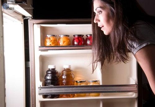 Alimenti peggiori da mangiare la sera, scopriteli tutti