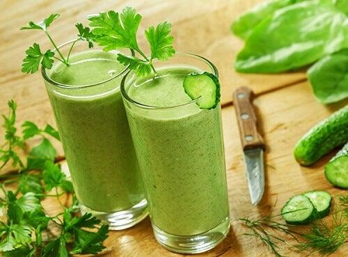 Frullati da bere nel pomeriggio per una merenda nutriente