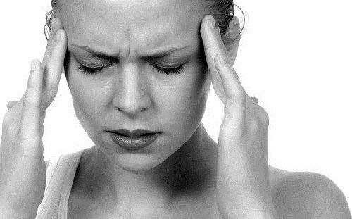 Usi del Vick VapoRub contro il mal di testa
