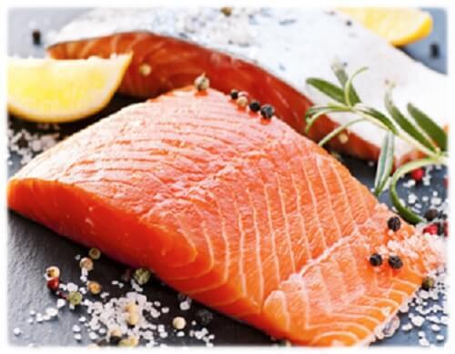 salmone crudo con limone