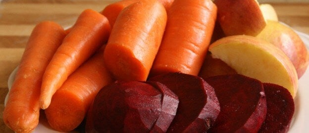 succo di barbabietola carota e mela