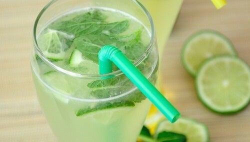 Acqua-limone-menta