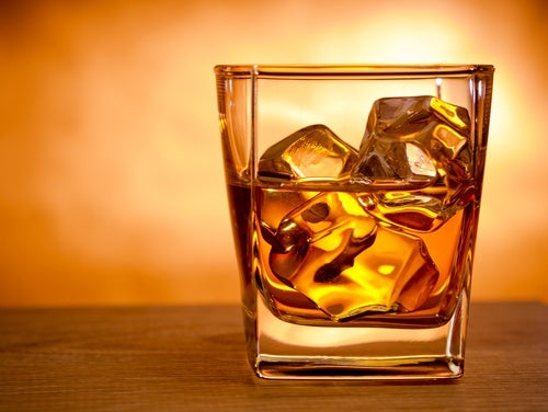 Uno dei rimedi per smettere di russare è non eccedere con l'alcol