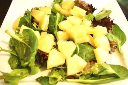 insalata di spinaci e ananas