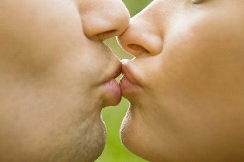Curiosità sui baci che non conoscevate