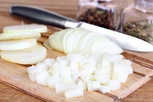 Cipolla tra alimenti per bruciare i grassi