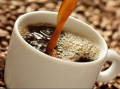 versare caffè