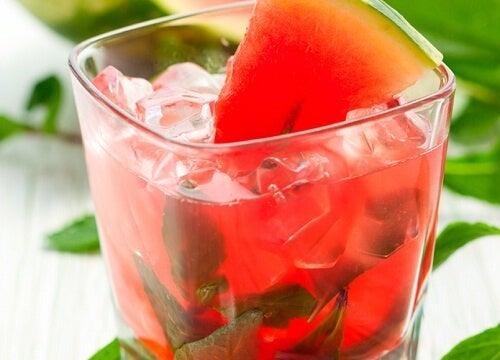 Bevande naturali per dimagrire: 4 deliziose ricette