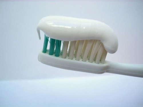 come leggere i tubetti del dentifricio