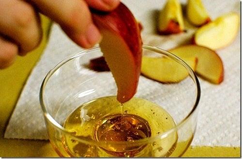dieta per perdere peso con benefici dellaceto di mele biologico