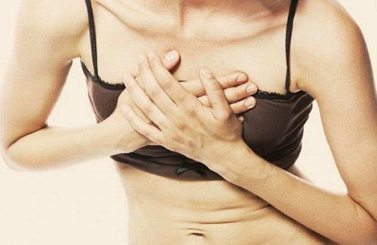 Dolore al petto sinistro o destro: cause e precauzioni