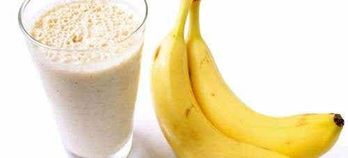Combattete la ritenzione idrica e dimagrite con frullati alla banana