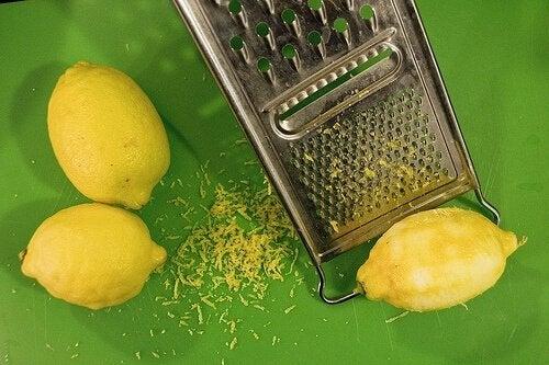 Scorza grattugiata limoni