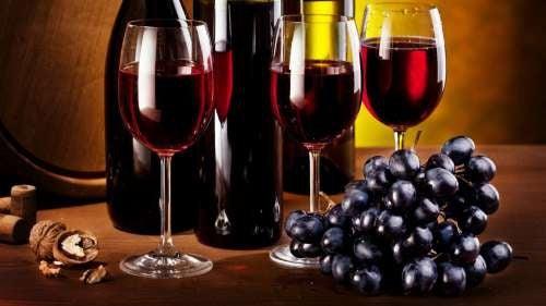 Vino rosso di diversi tipi