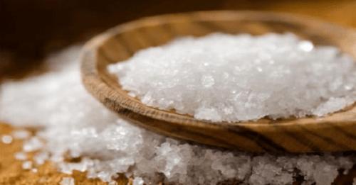 Bloccare l'emicrania con il sale: ecco come fare