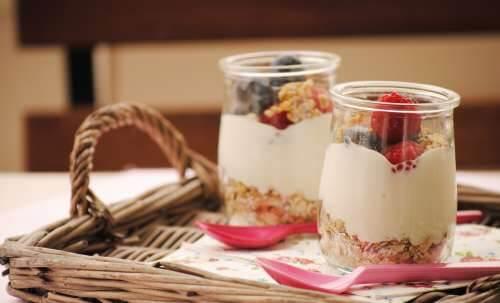Avena con yogurt e frutta