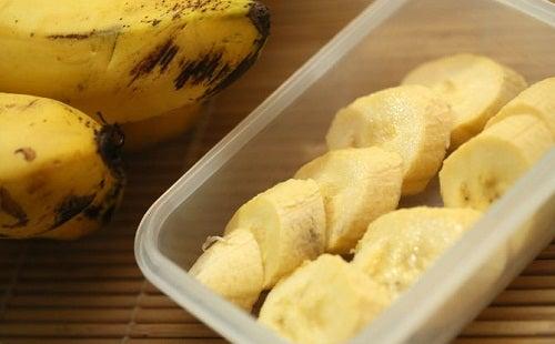 Banane intere e a fette