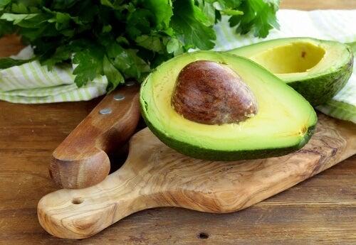10 alimenti per apparire più giovani e sani