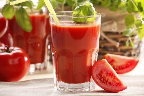 Succo-di-pomodoro2