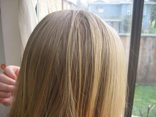 lo shampoo con il tuorlo dell'uovo è l'ideale per capelli secchi, danneggiati o con le doppie punte