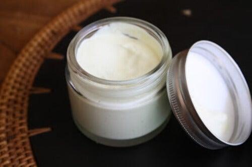 Crema corpo idratante e come prepararla in casa