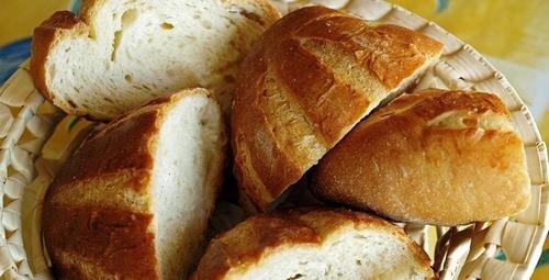 8 idee per utilizzare il pane raffermo invece di gettarlo