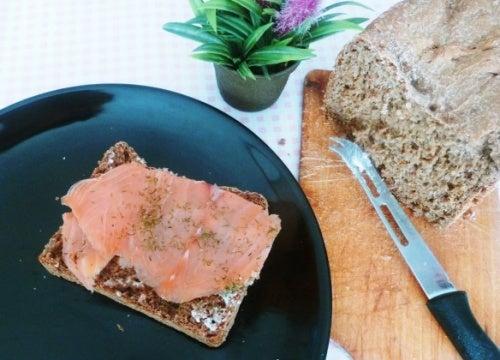 Toast con salmone