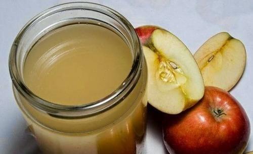 Aceto di mele per l'artrite alle mani
