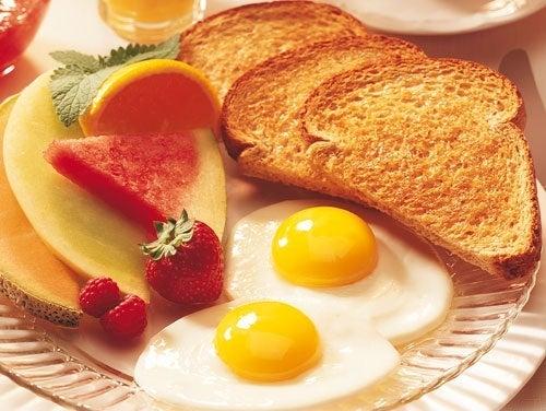 preparare in casa la colazione presenta numerosi vantaggi